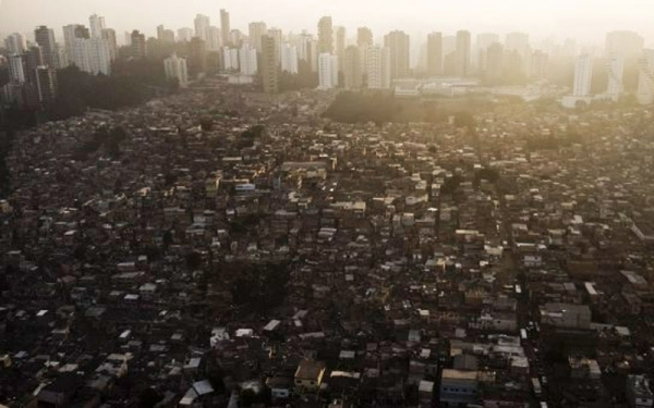 Caderno Didático: Política Habitacional e o Direito à Moradia Digna
