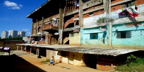 A invisibilidade da moradia precária na Operação Urbana do Tamanduateí (SP)