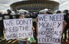 Jornal Libération: Brasil contra a Copa