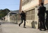 Fronteiras urbanas entre escola e polícia