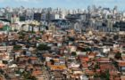 Nordeste de Amaralina e no fundo o bairro de Pituba - segregação social Crédito: Jornal A Tarde/Reprodução