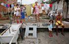 Ato pela moradia reúne comunidades carentes no Centro do Recife