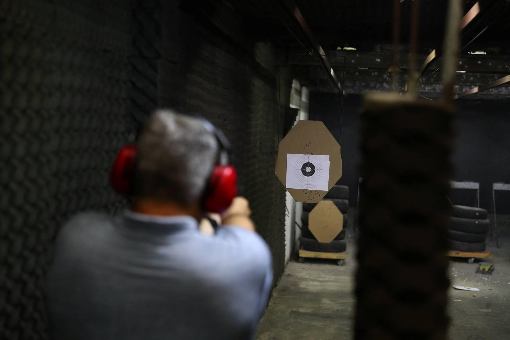 Quanto custa ter uma arma no país