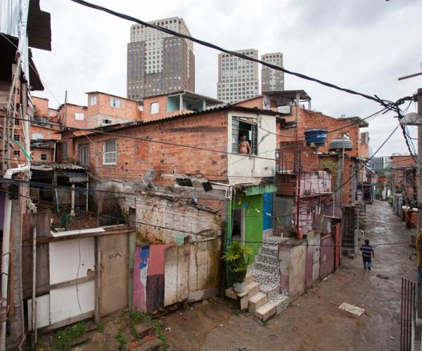 Levantamento visa identificar os impactos da pandemia nas favelas e periferias do país