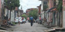 Barra do Ceará é um dos bairros mais atingidos pelo novo coronavírus em Fortaleza. Reprodução Diário do Nordeste.