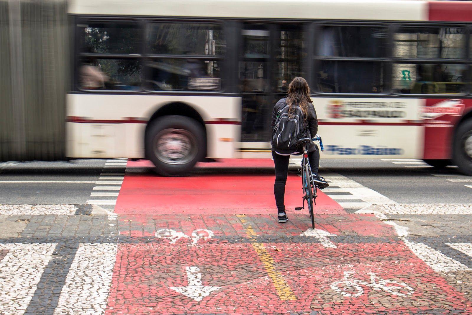 """O ciclista do """"novo normal"""" já existe, a cidade é que vai ter que mudar"""
