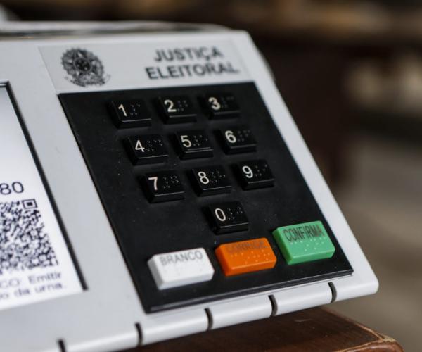 Vale a pena ver de novo? Curitiba e a reprise nas eleições municipais de 2020