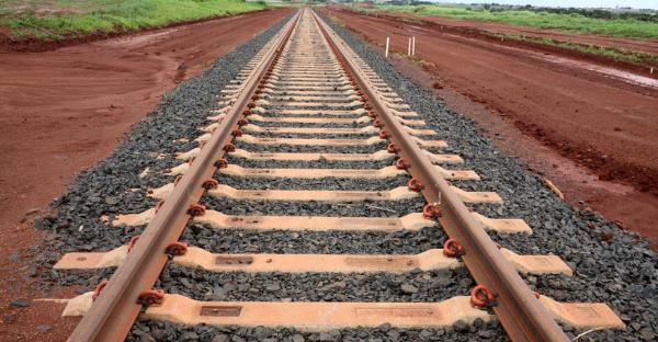 A passagem da boiada das operações urbanísticas vinculadas às infraestruturas ferroviárias