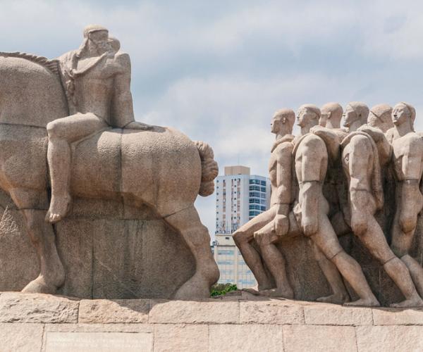 Quem contesta os monumentos? Projeto da USP discute colonialidade na arquitetura
