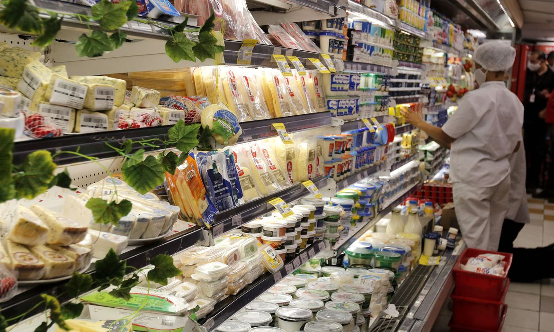 O alimento-mercadoria e a fome no Brasil